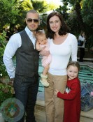 Joey Lawrence with Wife Chandie Yawn-Nelson and daughters Liberty and Charleston