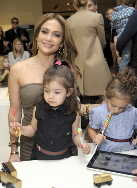 Jennifer Lopez With Son Daughter Emme And Niece Lucie