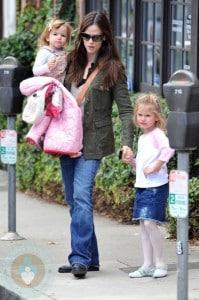 Jennifer Garner with daughters Seraphina & Violet