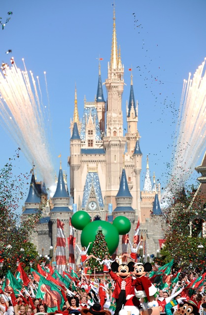 Walt Disney World Christmas Day Parade - Growing Your Baby