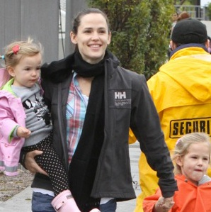 Girls Day Out!  Jennifer Garner Treats Her Girls To Disney On Ice