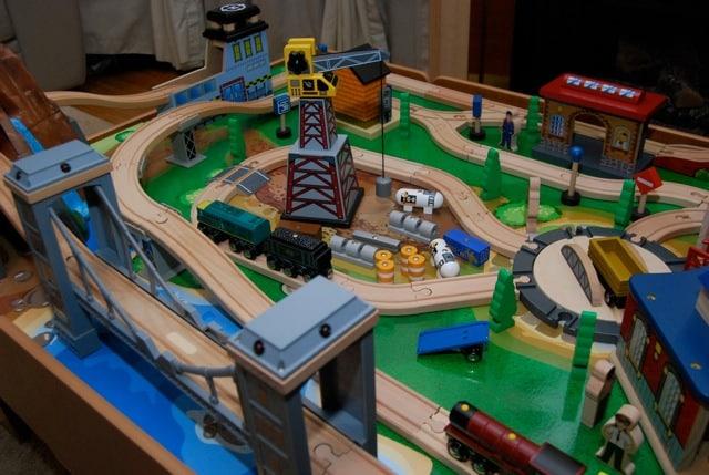& Kid Tested: Imaginarium\u0027s 2010 Classic Train Table