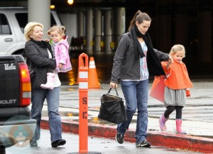 Chris Affleck with Seraphina & Jennifer Garner with daughter Violet