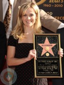 Reese Witherspoon accepting her star