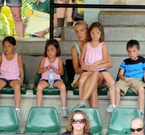 "Kate Plus 8 Watch The Irwin's Perform at The ""Crocoseum"""