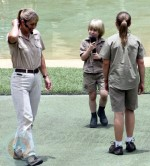 "Kate Plus 8 Visit The ""Crocoseum"" in Australia"