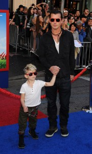 Actor Gavin Rossdale and sons Kingston Rossdale and Zuma Rossdale arrive at the Gnomeo And Juliet premiere