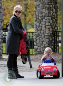 Gwen Stefani with son Zuma at the park
