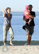 Carson Daly and Siri Pinter with a friend's little girl