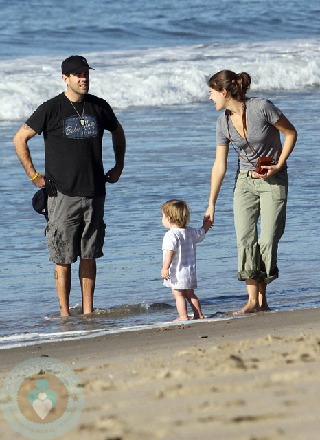 Carson Daly Splashes With His Beach Baby