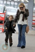 A pregnant Kate Hudson with her son Ryder Robinson