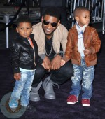 Usher with his sons Usher Raymond V and Naviyd Ely Raymond
