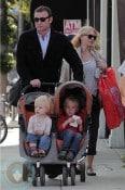 Liev Schreiber with Naomi Watts and son Sammy and Sasha