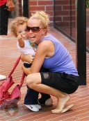Kendra Wilkinson with son Hank Baskett jr