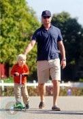 Liev Schrieber strolls with son Sasha