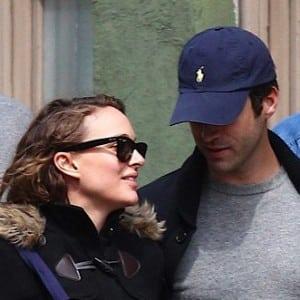 Natalie Portman Bundles Up In NYC!
