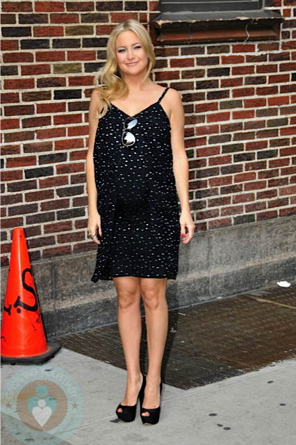 A pregnant Kate Hudson at the Letterman Show