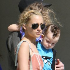 Nicole Richie Out Toy Shopping With The Family