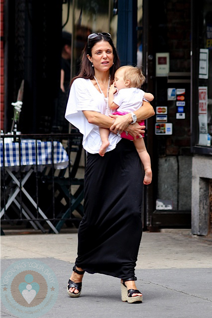 bethenny frankel baby 2011. Bethenny Frankel with daughter