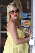 A pregnant Tori Spelling shopping in LA