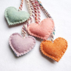 Felt Forest - set of 4 hearts