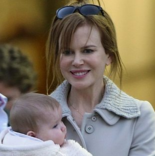 Nicole Kidman & Her Girls Touchdown in Australia!