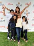 Eva LaRue with her kids at the Elizabeth Glaser fundraiser