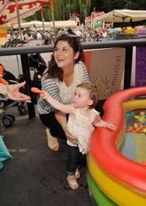 Tiffani Thiessen and daughter Harper