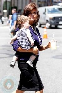 Tiffani Thiessen and daughter Harper Smith on the White Collar set