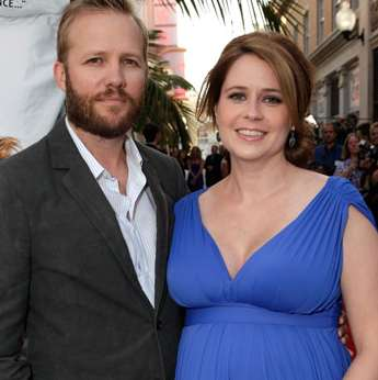 Jenna Fischer Walks The Red Carpet in LA