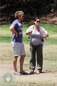 Curtis Stone with his pregnant wife Lindsay Price