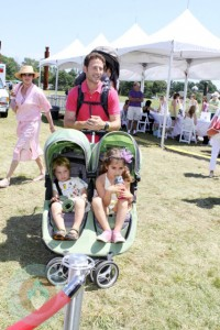 Mark Feuerstein with his daughters Freddie, Lilly & Addie at Super Saturday