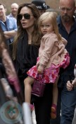 Angelina Jolie with daughter Vivienne