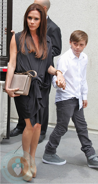 pregnant Victoria Beckham with son Brooklyn - Growing Your Baby ... Gisele Bundchen