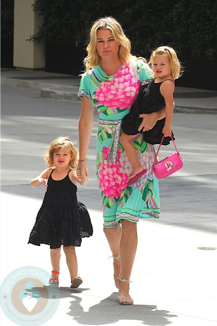 Rebecca Romijn With Twin Daughters Dolly And Charlie