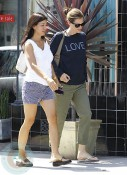 A newly pregnant Jennifer Garner Running Errands