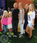 Rick Schroder with his wife Andrea Bernard and their 4 kids Cambrie and Faith