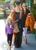 Taylor and Kennedy Armstrong in Malibu