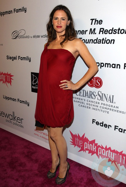 Pregnant Jennifer Garner at the Pink Party