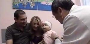 Valentina DeLeon with her parents