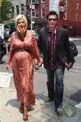 A pregnant Tori Spelling and husband Dean McDermott in NYC