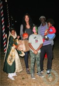 Djimon Hounsou & Kimora Lee Simmons with son Kenzo and daughters Ming and Aoki