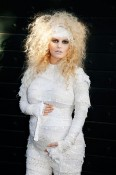 Pregnant Jessica Simpson dressed as a mummy