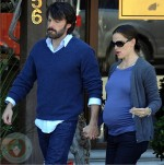 Ben Affleck and his very pregnant wife Jennifer Garner enjoy lunch in Brentwood