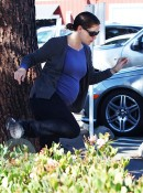 A pregnant Jennifer Garner jumps a hedge in Brentwood