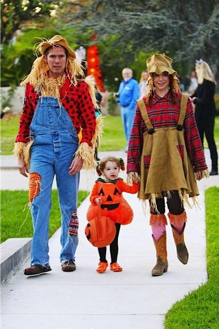 Alyson Hannigan And Her Pumpkin Patch Crew