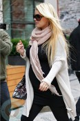 A pregnant Jessica Simpson out in NYC