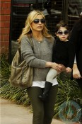 Sarah Michelle Gellar shops with daughter Charlotte in LA