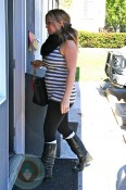 Pregnancy Hilary Duff leaving Yoga