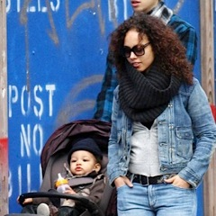 Alicia Keys Plays At The Park With Her Family!